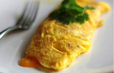 Omelets made fresh at Sugar and Spice Cafe